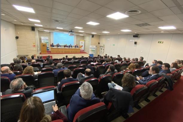 Expertos internacionales defienden en Madrid la importancia de los bancos verdes para financiar la transición ecológica