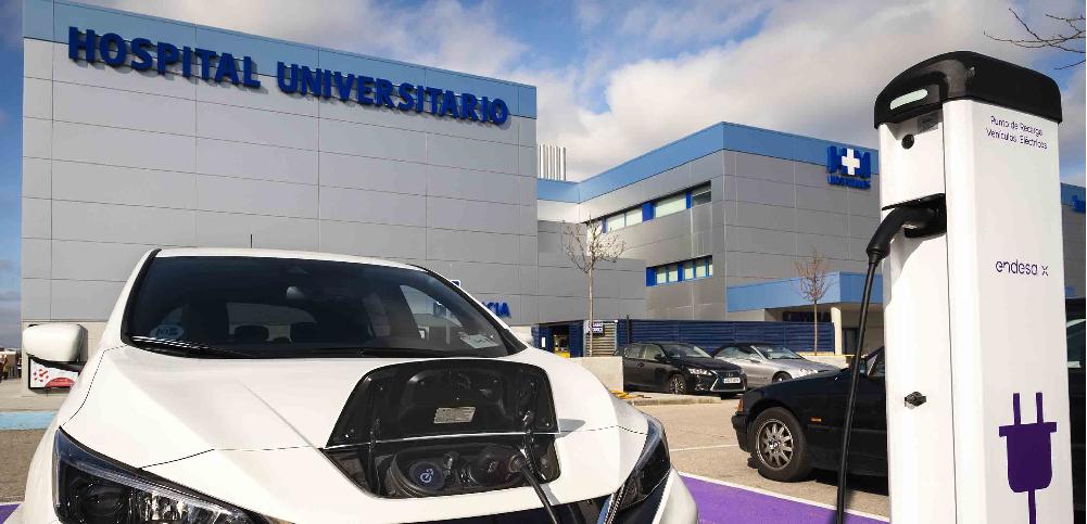 Endesa X instala cargadores para coche eléctrico en cuatro centros de HM Hospitales de Madrid y Galicia